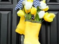 Rain boot wreath 200x150 Upcycling with Style: Great Projects Made From Old Boots