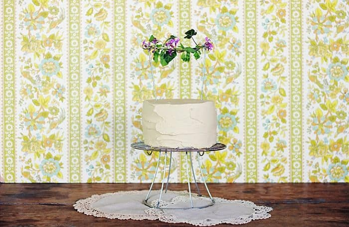 Wire Cake Stand