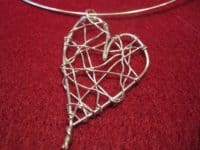 Wire heart necklace 200x150 15 Wire Jewelry Designs That Will Inspire You To Make Your Own