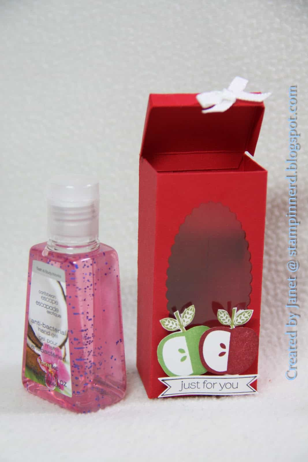 Clean Crafts: DIY Hand Sanitizer Jackets for Those On the Go!