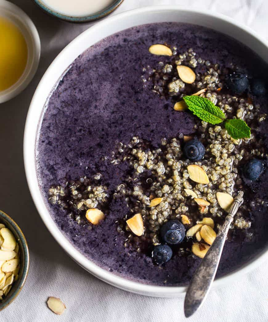 Blueberry almond quinoa smoothie bowl
