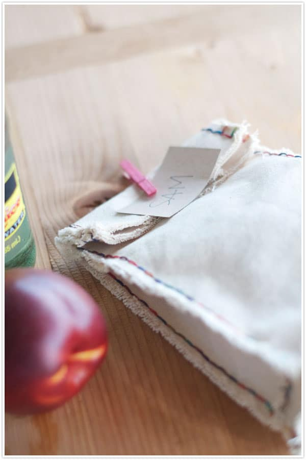 Canvas lunch bag with coloured seams