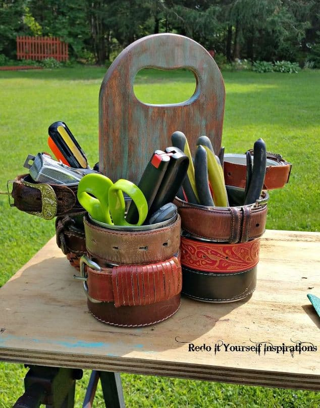 Cutting board tool caddy