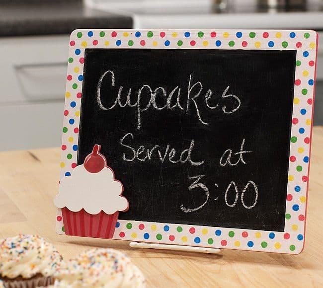 DIY Cupcake chalkboard frame