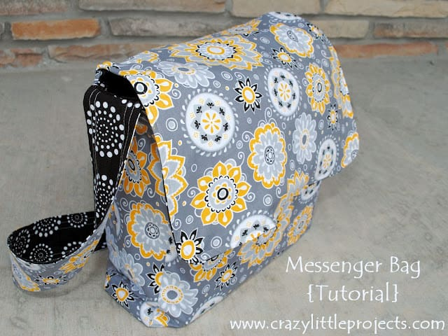 Double fabric messenger bag