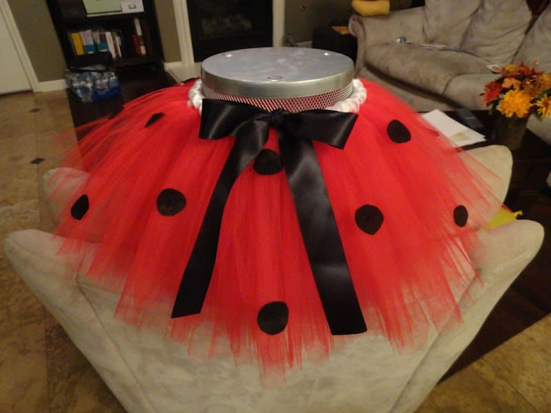 For little ballerinas diy tutu skirts view in gallery lady bug tutu solutioingenieria Image collections