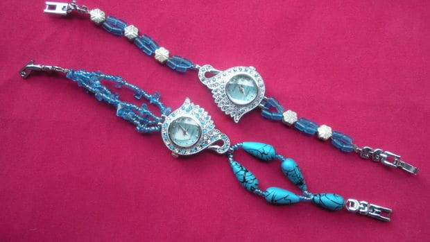 Peacock bead wrist watch