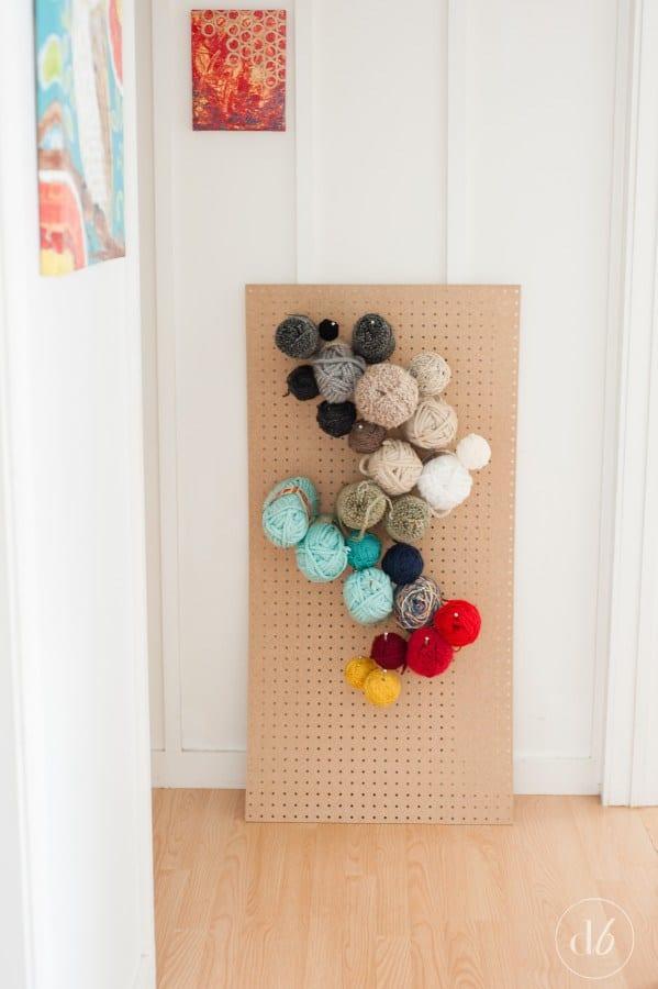 Pegboard yarn organizer