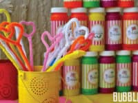 Pipe cleaner bubbles 200x150 15 Awesome DIY Kids' Goodie Bags