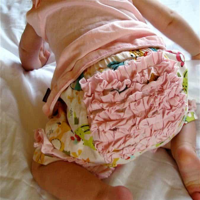 Ruffle bum baby capris