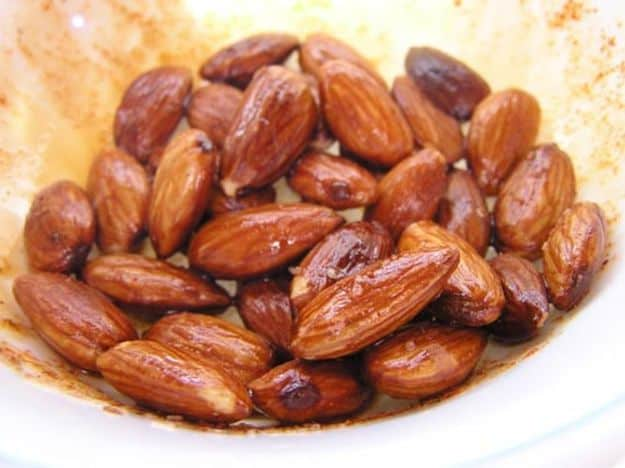 Spiced fried almonds