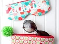 Zipping 22sunnies22 case with pom pom  200x150 Cute DIY Glasses and Sunglasses Cases