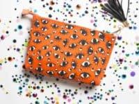 Zipping eyeball makeup bag 200x150 Useful and Stylish DIY Makeup Bags