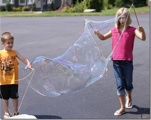 DIY giant bubble string wand
