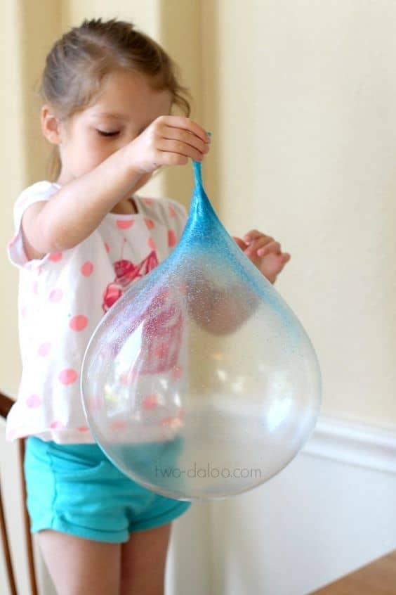 Giant reusable bubbles