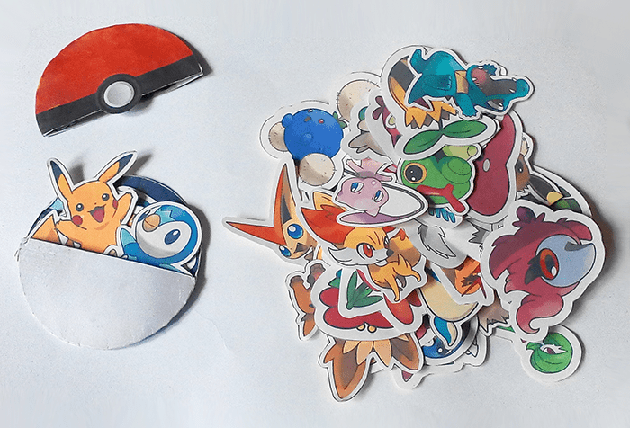 Printable paper Pokeball pockets