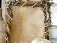 burlap frame 200x150 10 Awesome DIY Projects You Can Make In 5 Minutes