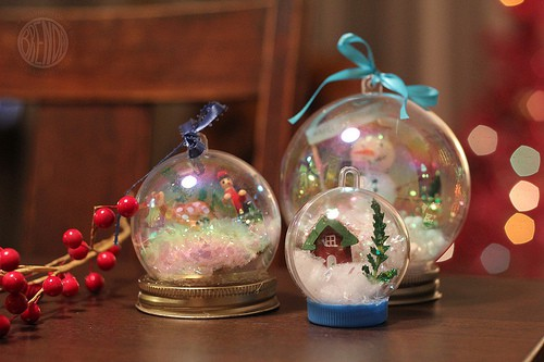 Crystal snow globes