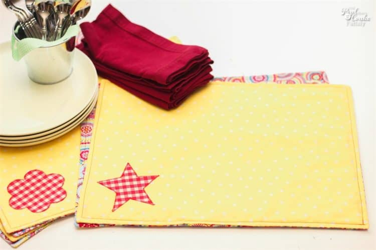 Set The Table In Style With These Diy Placemats