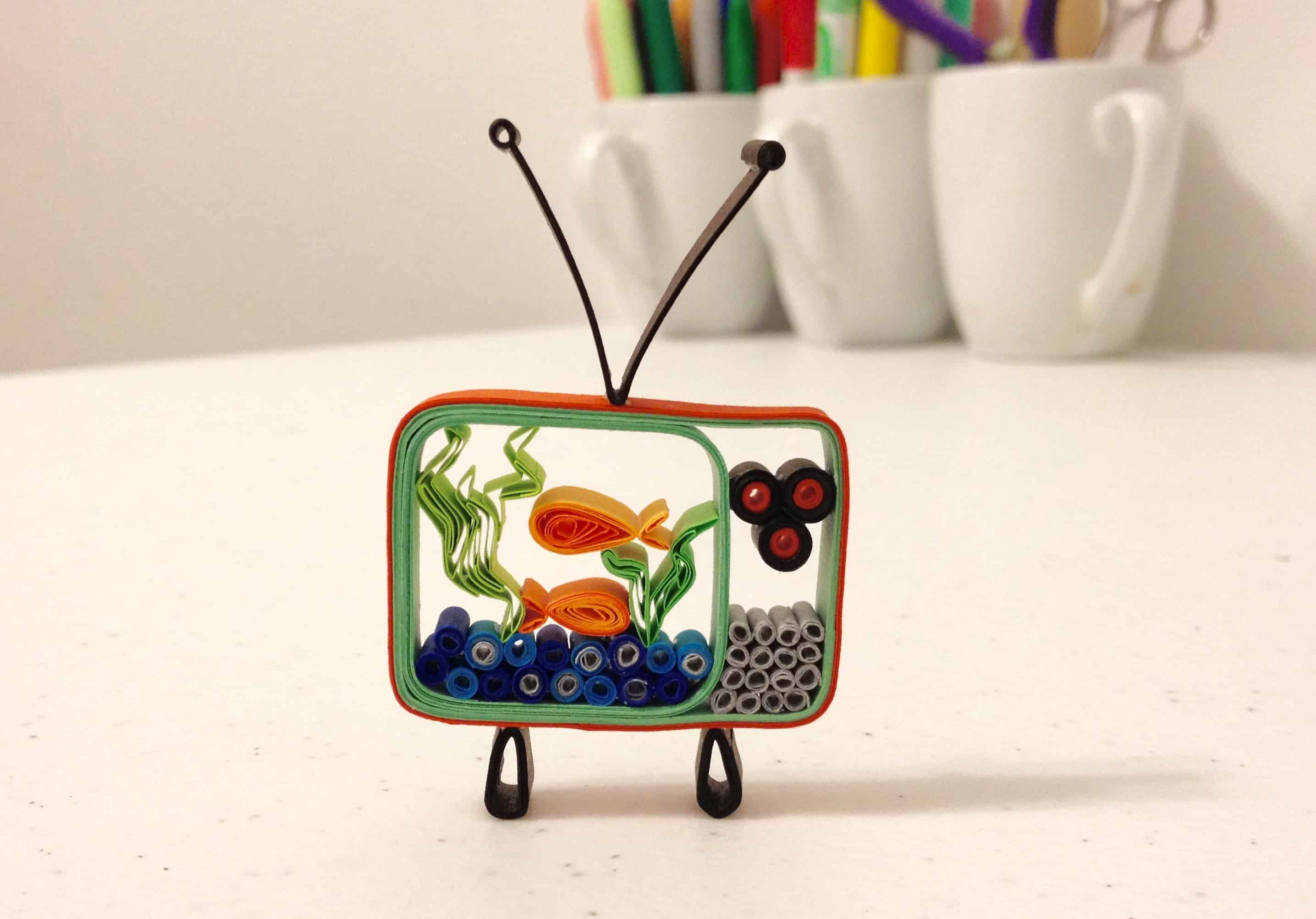 3D quilled TV trinket