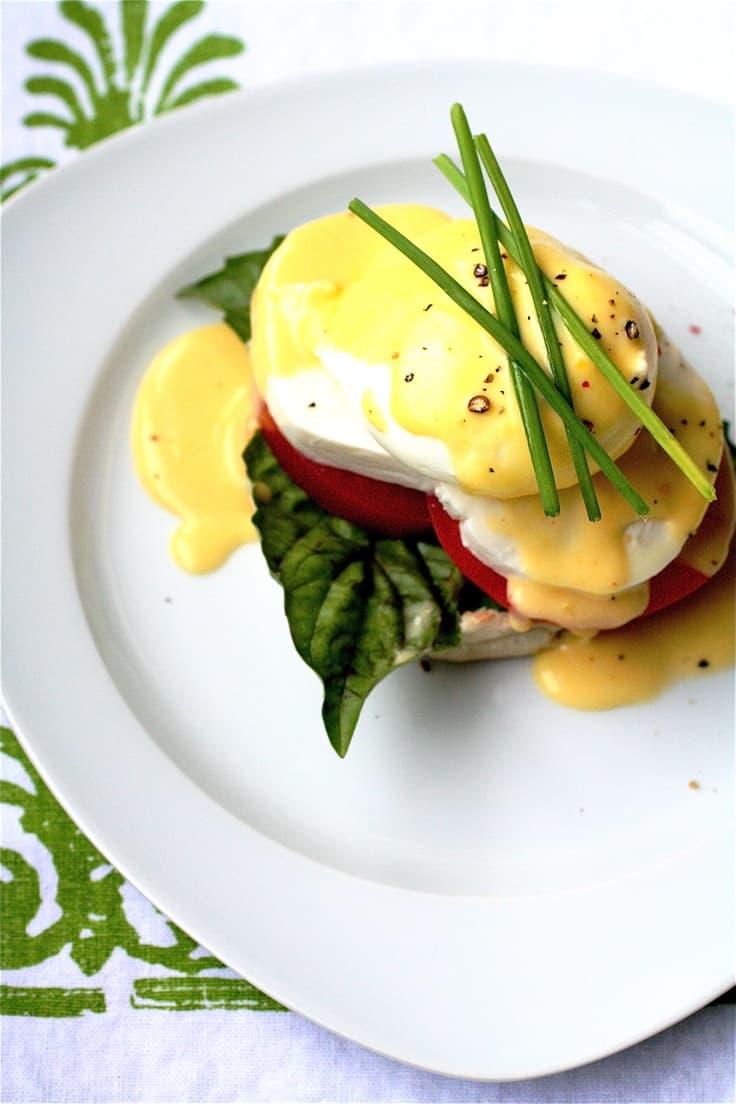 caprese-eggs-benedict