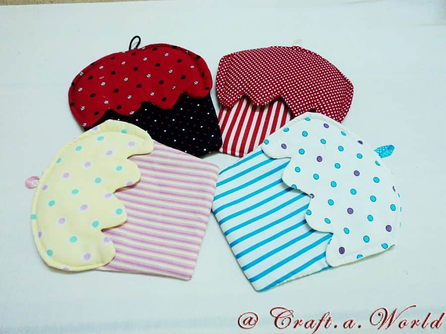 VIEW IN GALLERY DIY Cupcake Oven Mitts