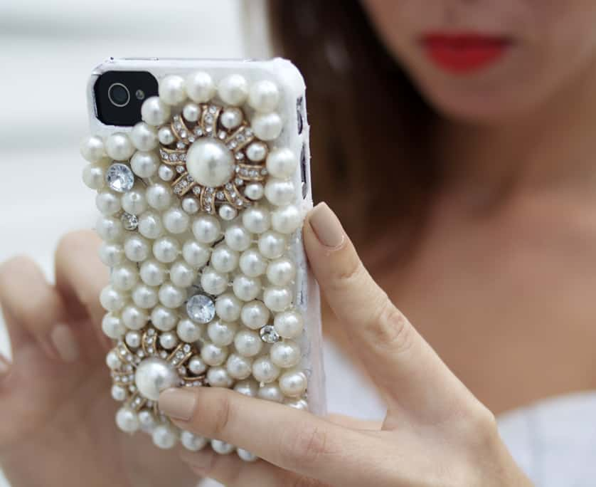 diy-pearl-glam-phone-case