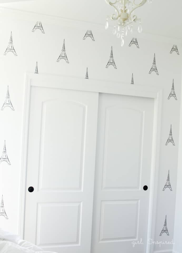 diy-viniyl-eiffel-tower-wall-decals