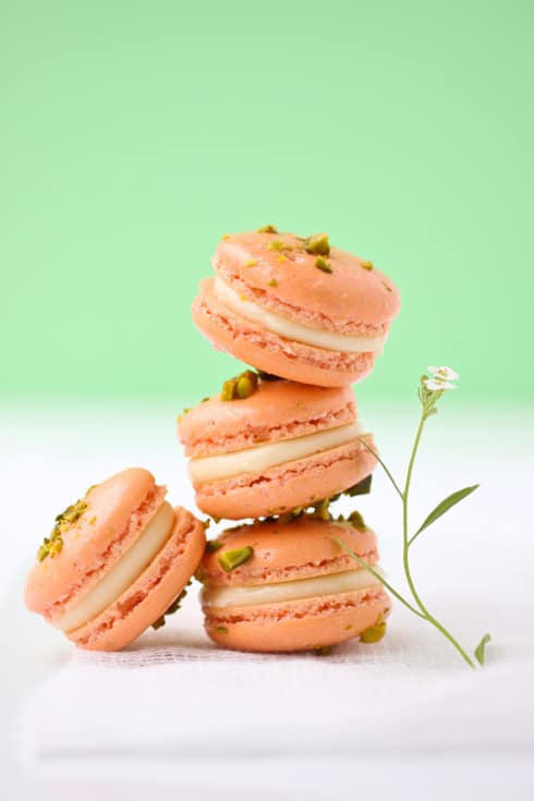 Grapefruit and pistachio macarons