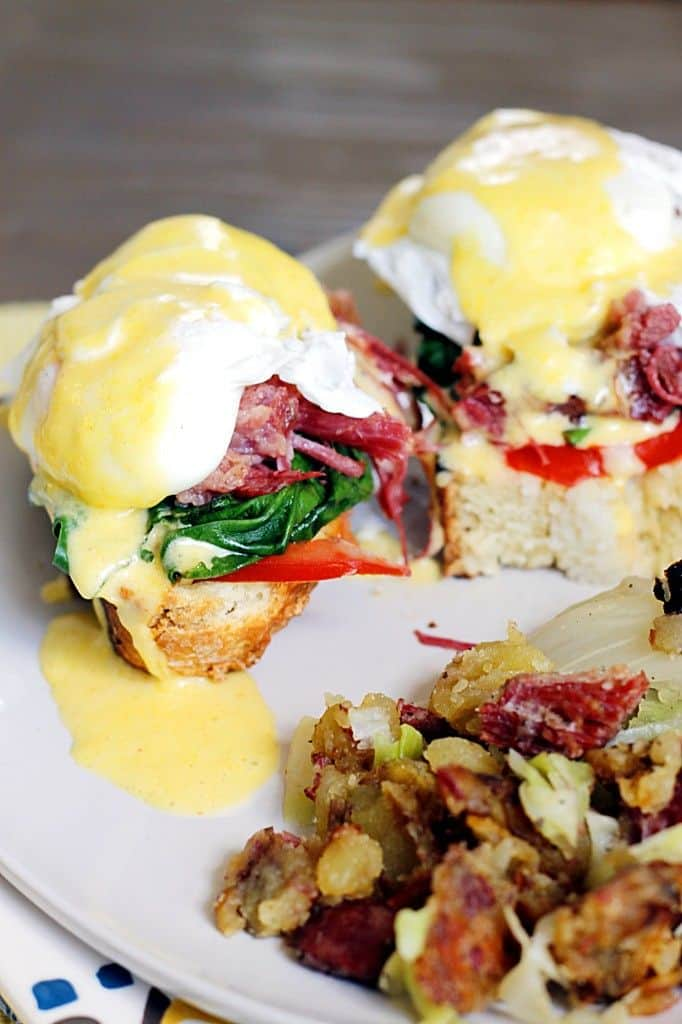irish-eggs-benedict-with-corned-beef-and-cabbage-hash