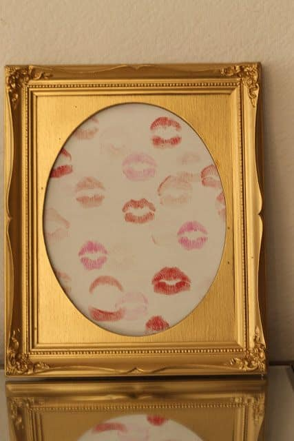 lipstick-kisses-framed-art