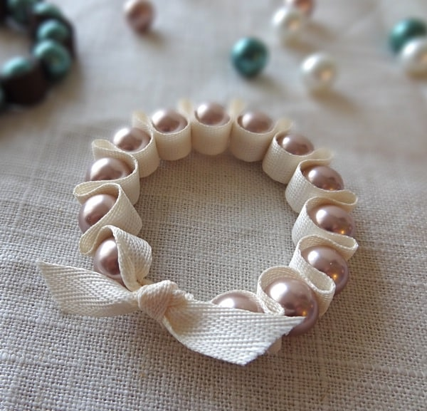 pearl-and-folded-ribbon-bracelet