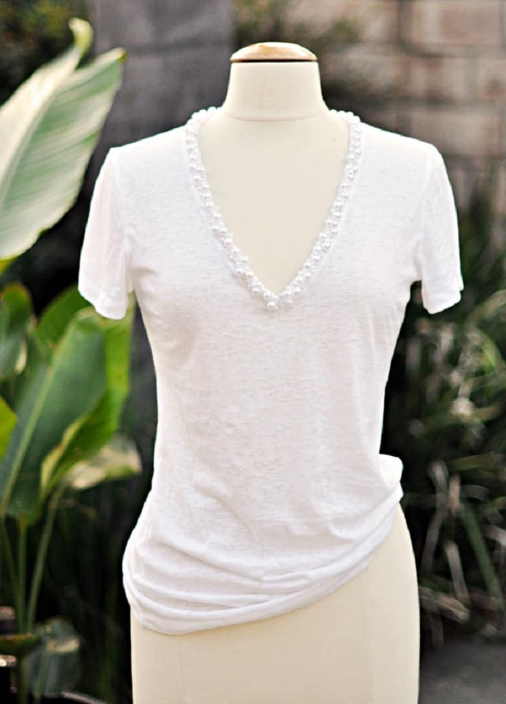 Pearl encrusted V-neck t-shirt