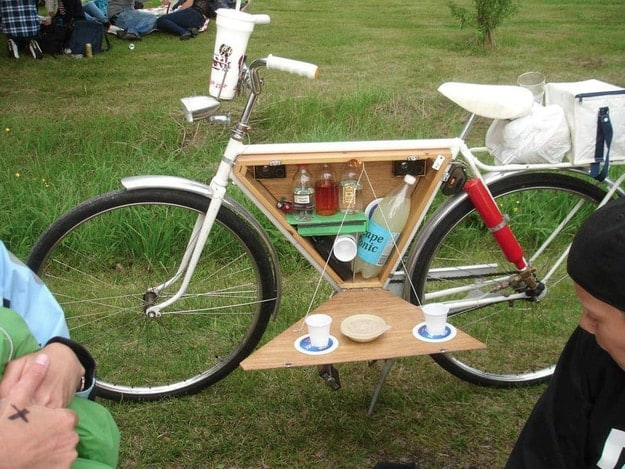 picnic-on-a-bike