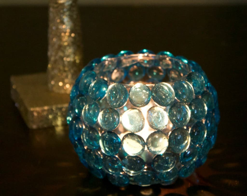 Glass bead holder