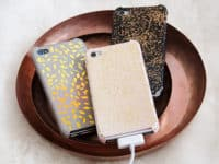 glitter phone case 200x150 Dress Up Your Phone With These Coolest DIY Phone Cases Ever!