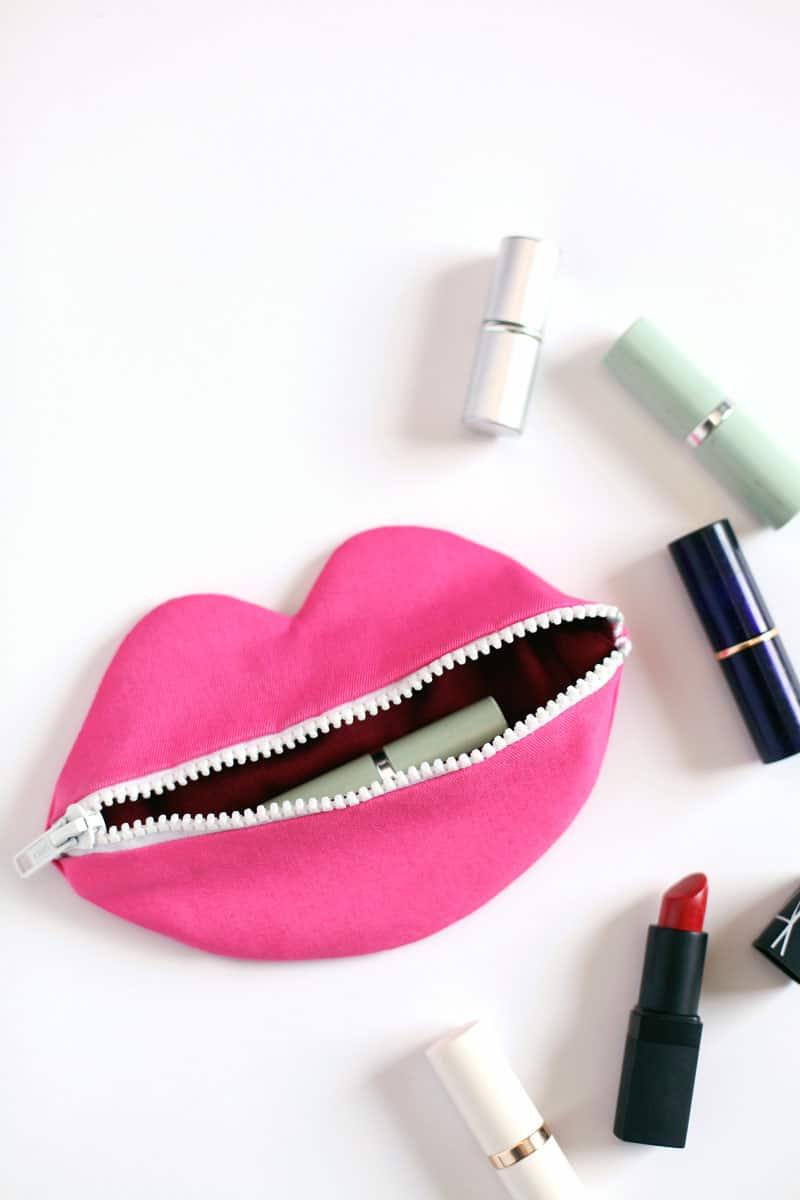 Lips Pouch