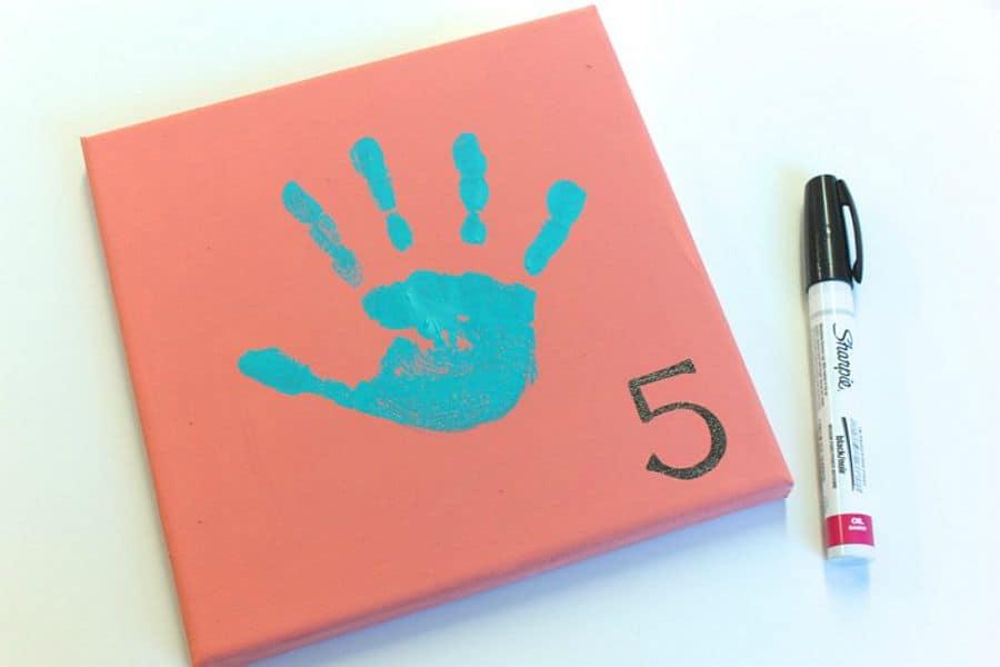 DIY yearly Handprint