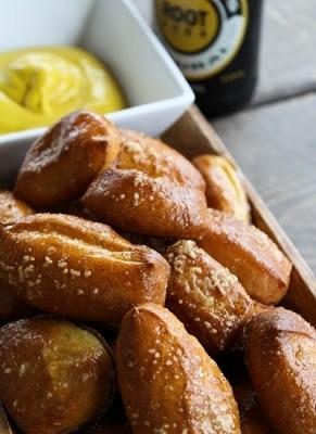 Garlic butter pretzel bites