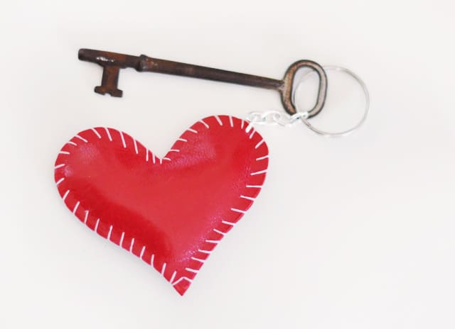 Heart pillow keychain