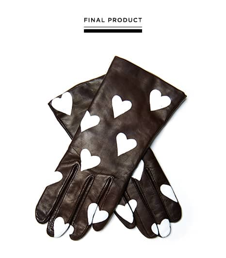 Heart printed leather gloves