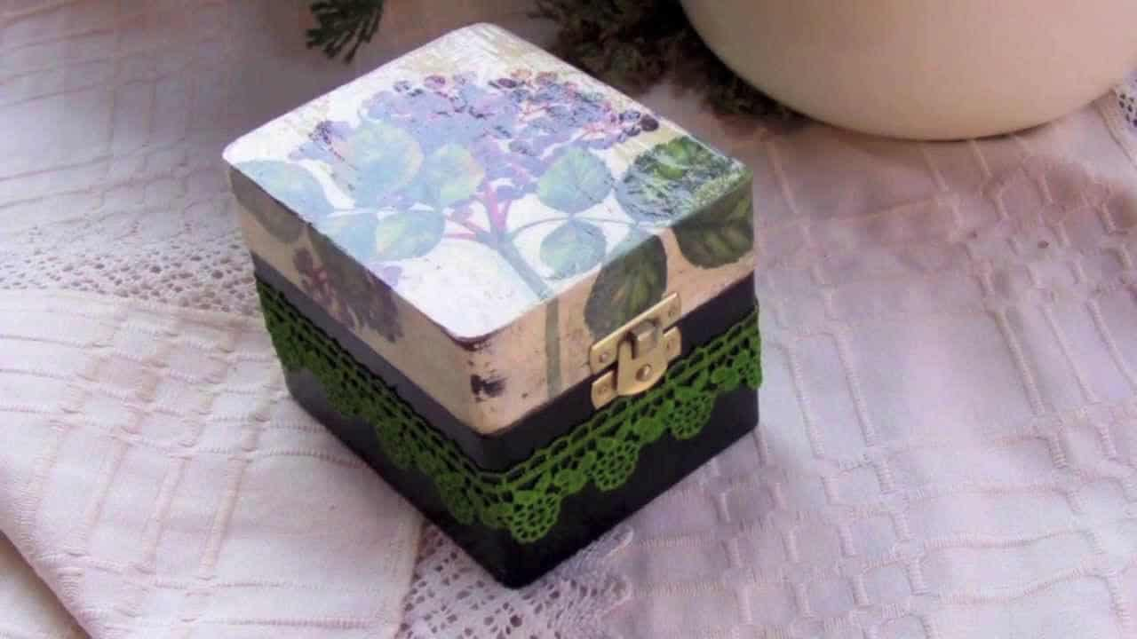 Lace keepsake box