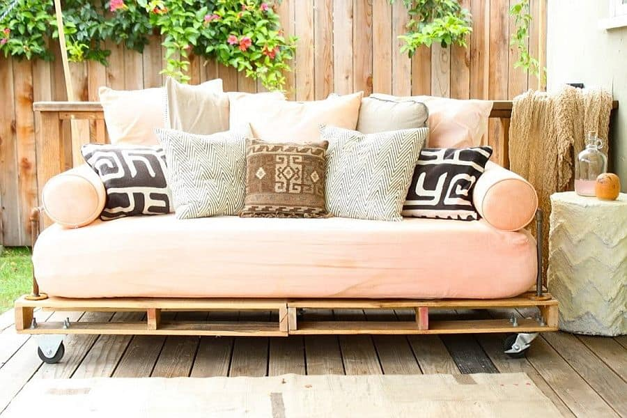 Wheeled palette patio sofa