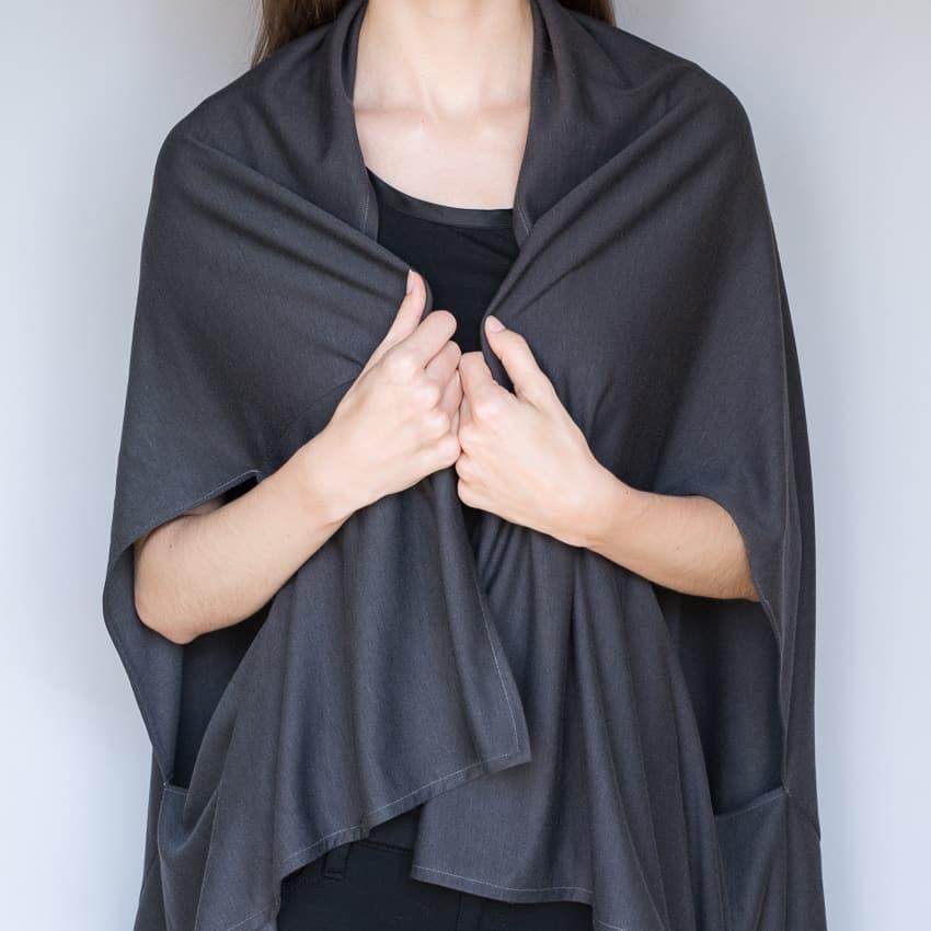 Wrapping cardigan