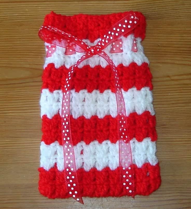 Festive crochet gift bag