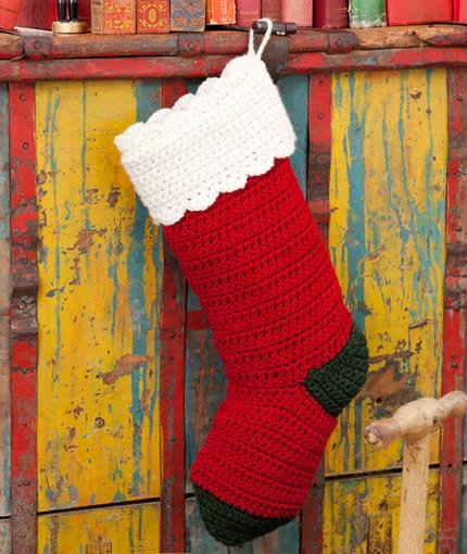 Gracious stocking 15 Adorable Crocheted Christmas Stocking Patterns