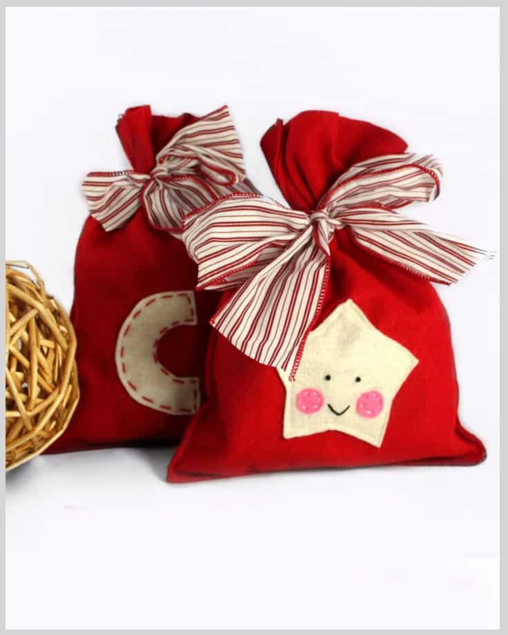 Mini felt gift bag with a bow