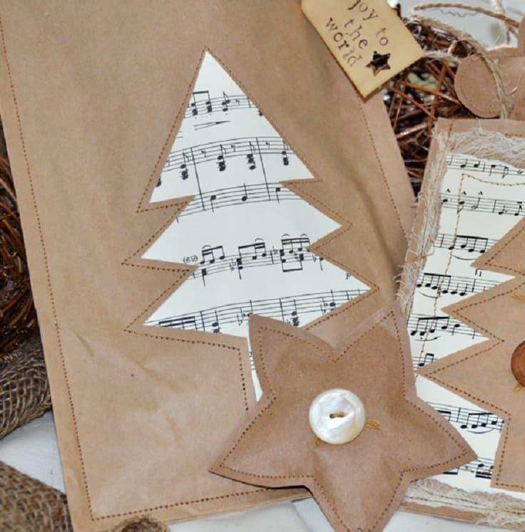 Musical Christmas tree gift bag