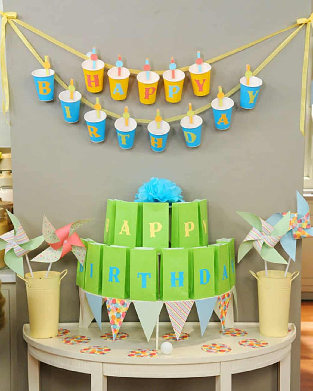 Party cup birthday garland