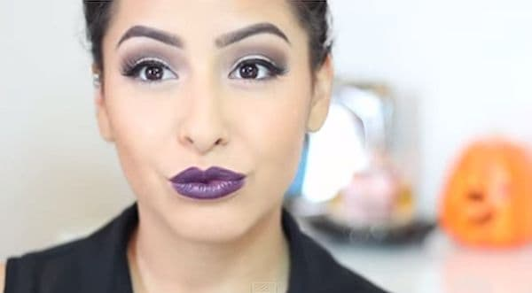 Smoky neutral eyes and dark purple lips tutorial